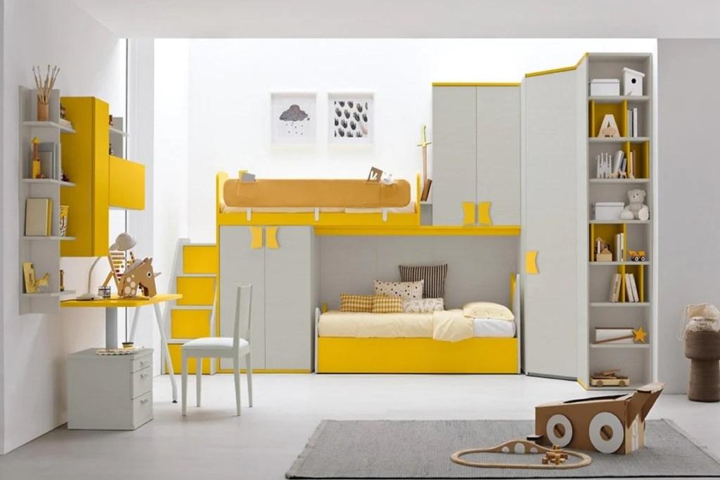 Una cameretta con tre letti e poco spazio e tanta. Come Scegliere La Nuova Cameretta Per I Bambini Che Diventano Grandi Mcs Arredamenti Srl