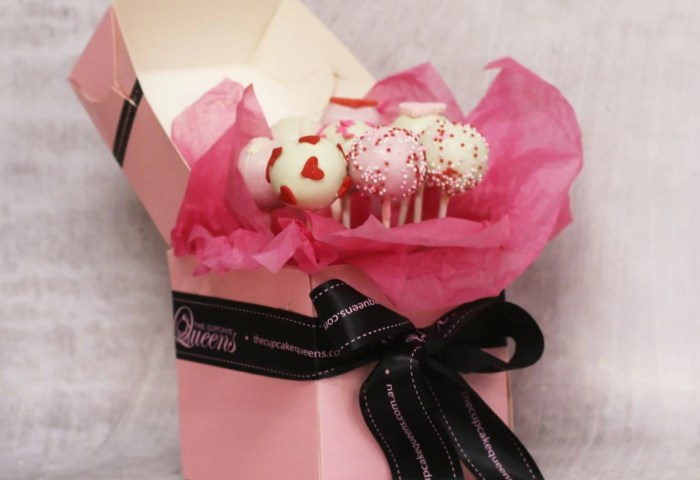 Be Mine Forever Cake Pop Box The Cupcake Queens