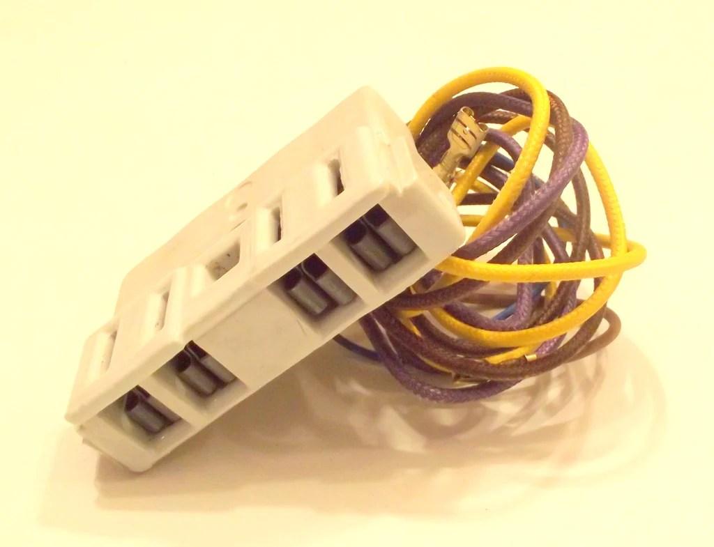 y702434 receptacle [ 1024 x 785 Pixel ]