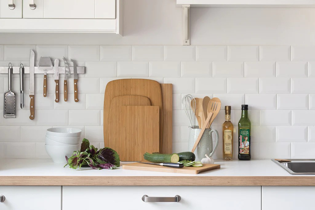 kitchen cutting boards wall hanging ideas best what s the kind of board bambu 101 you can