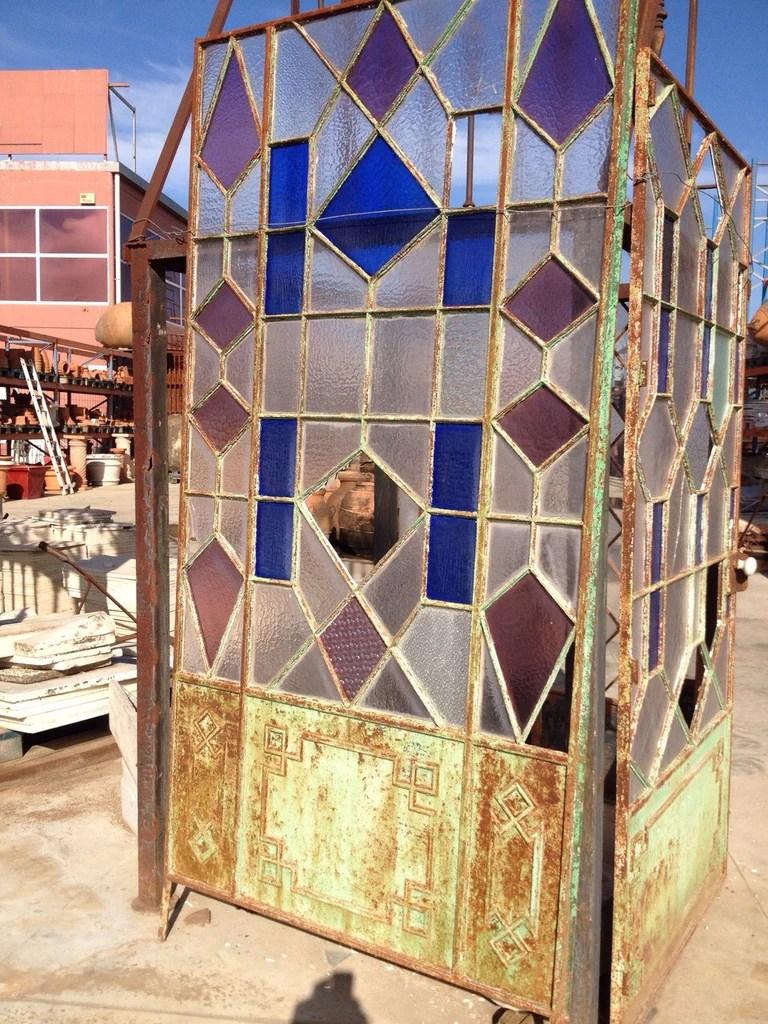 Antigua puerta de hierro y cristal  Anticuablecom  http