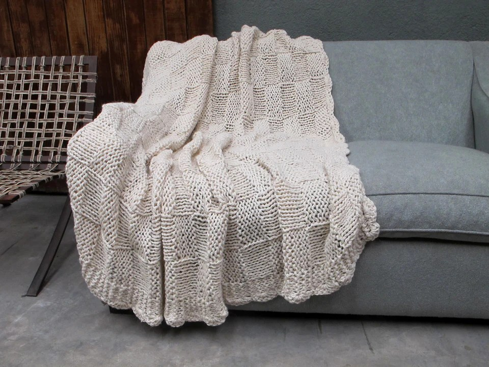 Cuadro Cable Knit Throw Blanket  Homelosophy