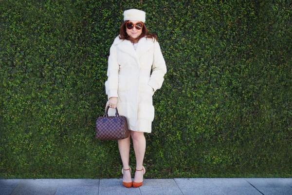 the-vintage-contessa-luxury-style-winter-white