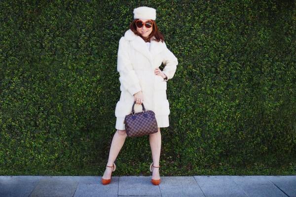 winter-white-vintage-contessa