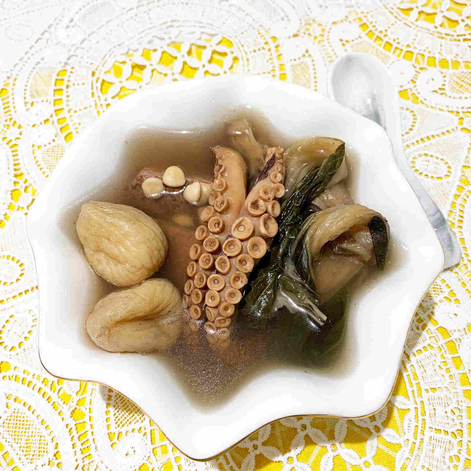 潤肺益氣養血.菜乾章魚湯(明火煲)   Y's Recipes