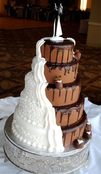 16 Chocolate Dipped Strawberry Wedding Cake Ideas  Candy Cake Weddings