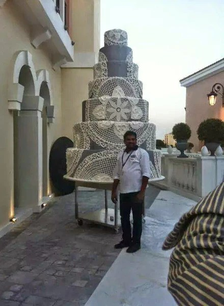 Guinness Book of World Records Largest Wedding Cake  Candy Cake Weddings Favors and Custom Gifts