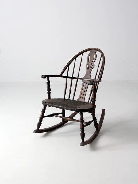 antique windsor rocking chair with rush seat  86 Vintage