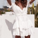 Rochie mini pentru femei, stil casual, cu mâneci scurte, rochie cu decolteu în V și model decupat, potrivit pentru plajă