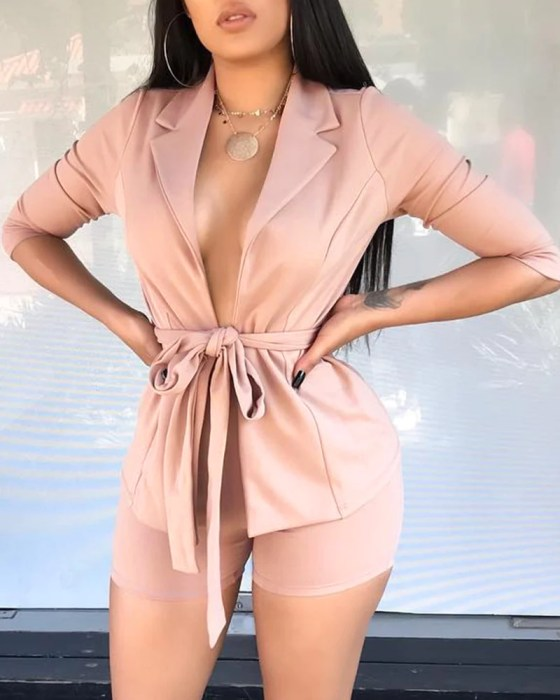 Solid Notched Neck Belted Blazer With Short 9