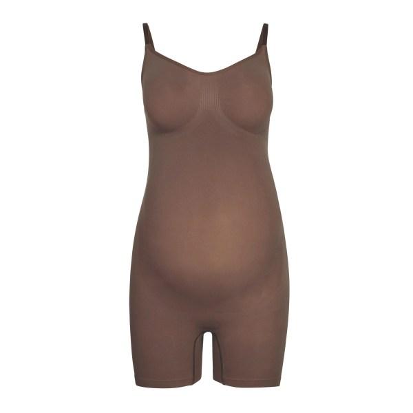 SKIMS Maternity Sculpting Bodysuit Mid Thigh - Brown - Size 4XL/5XL