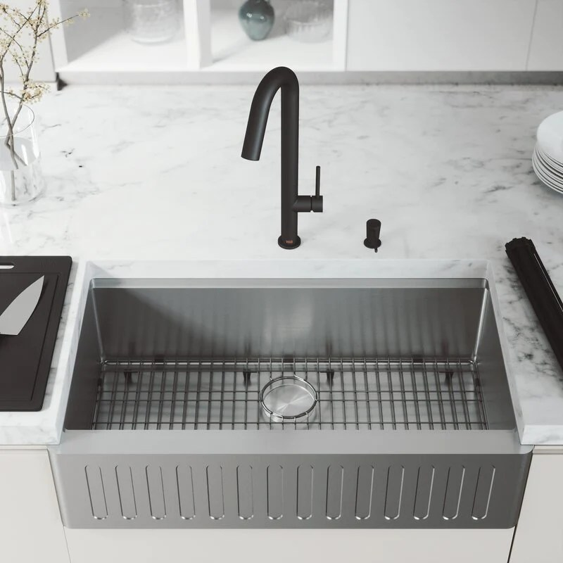 vigo oxford single bowl slotted apron front stainless steel farmhouse kitchen sink with accessories 36 l x 21 w
