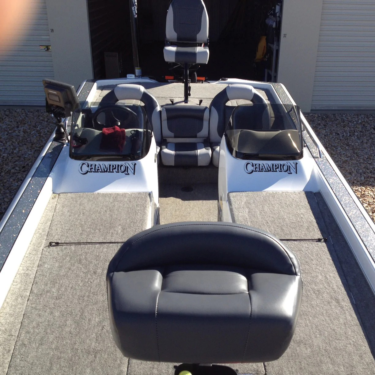 hight resolution of bass boat seat interior 1