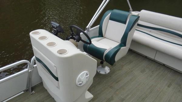 Sun Tracker Bass Boat Restoration  PontoonStuffcom