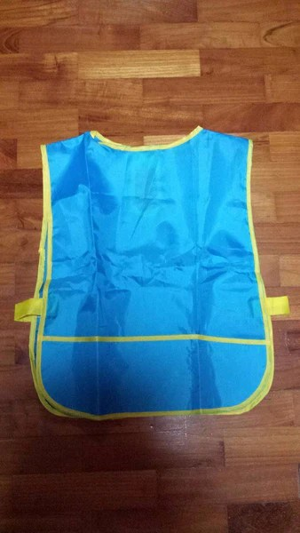 Plastic Apron for Art  Craft  Pull on Toddler Size  BLUE  RightToLearncomsg