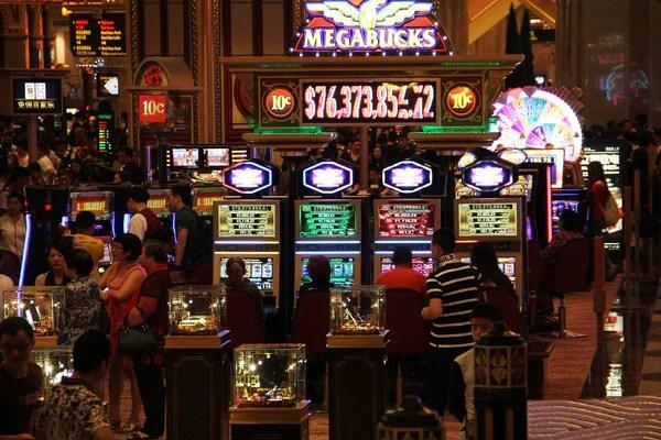 age pour jouer au casino