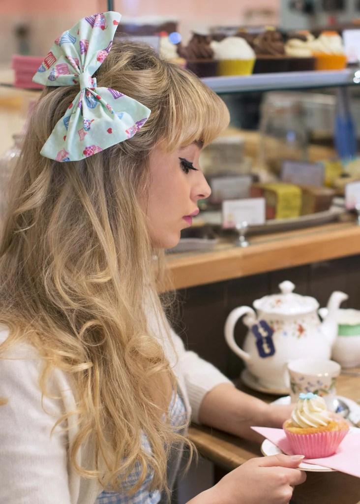 cupcake oversized hair bow clip
