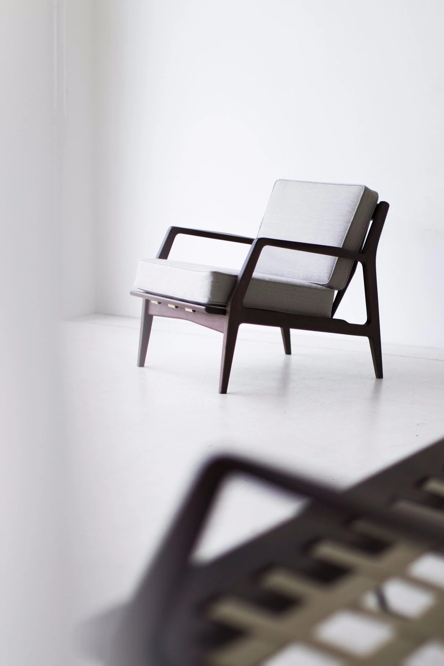 selig eames chair bistro table chairs manufacturing plycraft lounge lawrence peabody craft associates furniture