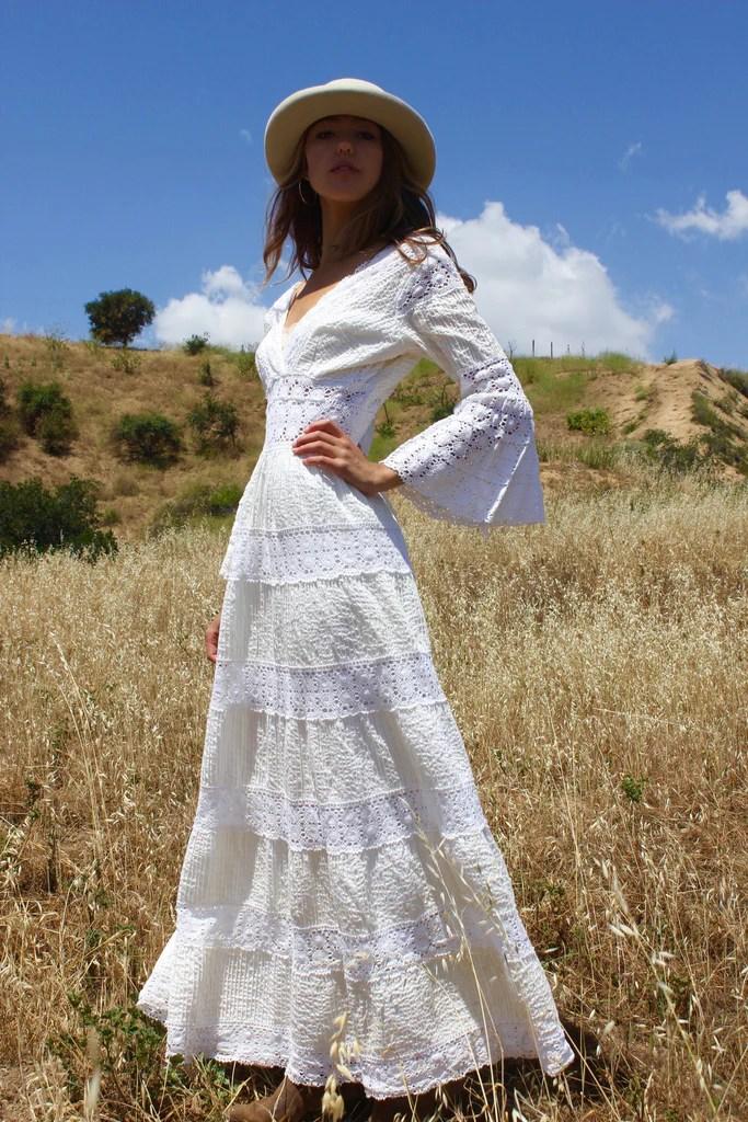 Prairie Folk GORGEOUS Vintage Mexican Wedding Dress  Honeywood