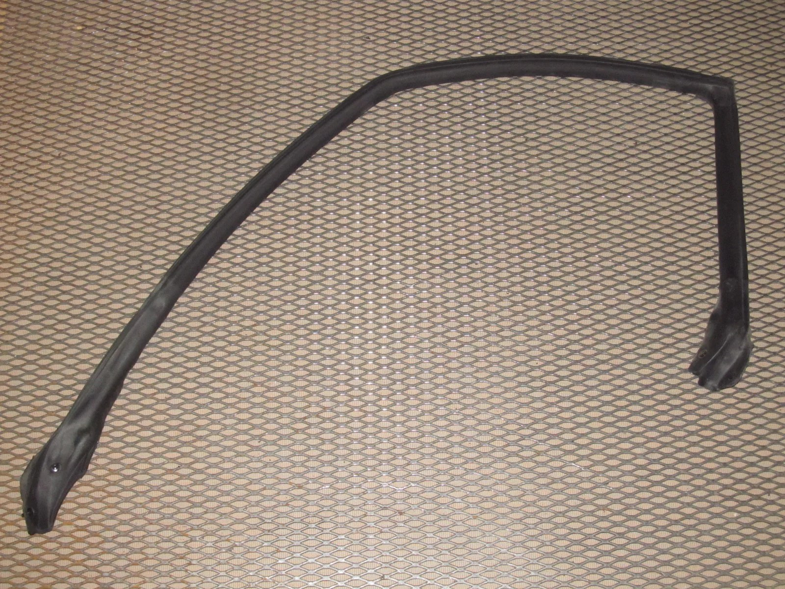 85 86 toyota mr2 oem chassis body weather stripping rubber seal left  [ 1600 x 1200 Pixel ]