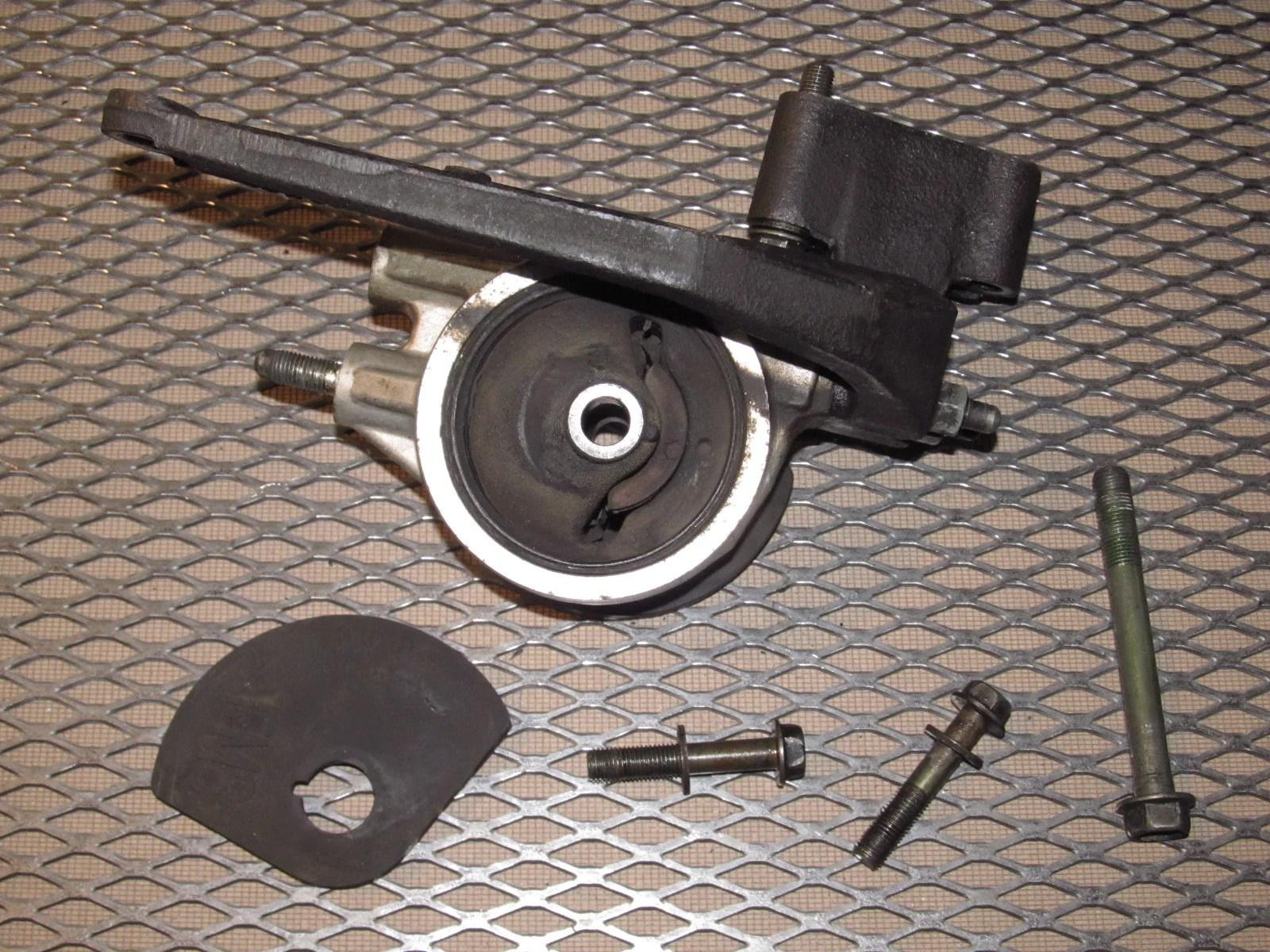medium resolution of  91 92 93 94 95 toyota mr2 oem 2 2l engine motor mount bracket