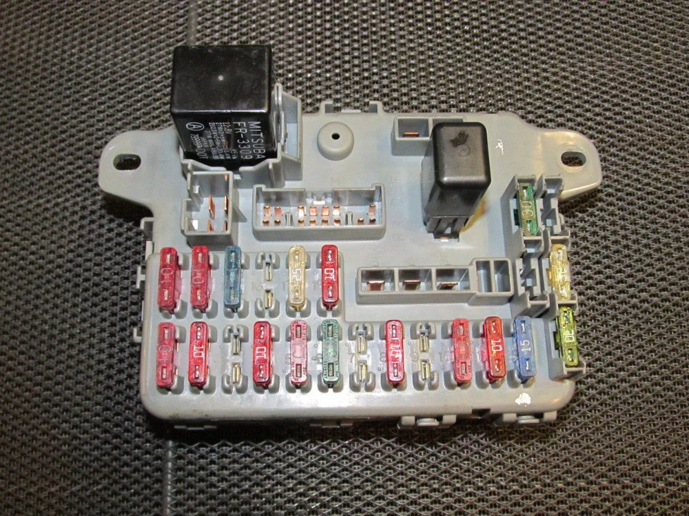 medium resolution of terminals wiring 88 89 1988 1989 civic main fuse relay box assy c motor engine compartment oem