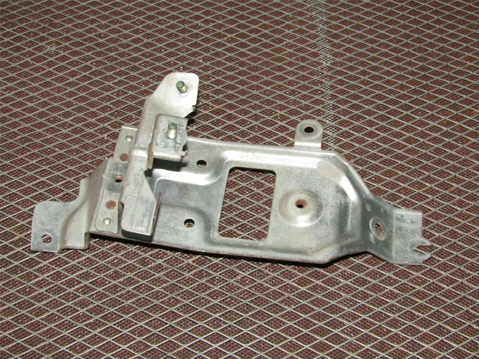 hight resolution of  93 94 95 96 97 honda del sol oem interior fuse box mounting bracket
