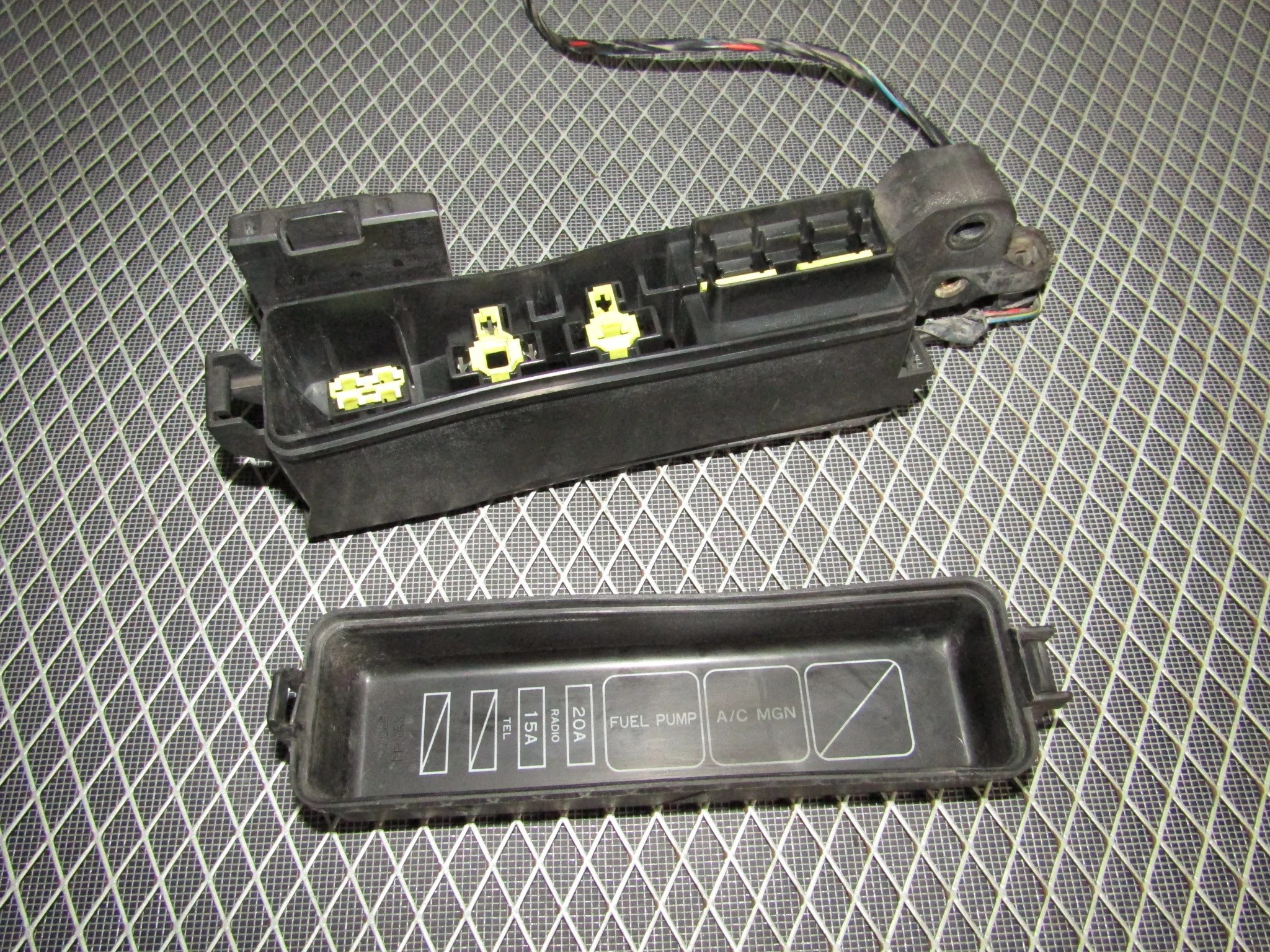 92 93 toyota camry oem engine relay fuse box 3vz fe v6 3 0  [ 2048 x 1536 Pixel ]
