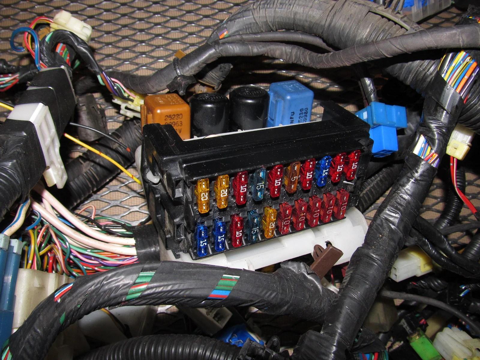 91 92 93 94 nissan 240sx oem fuse box wiring harness  [ 1600 x 1200 Pixel ]