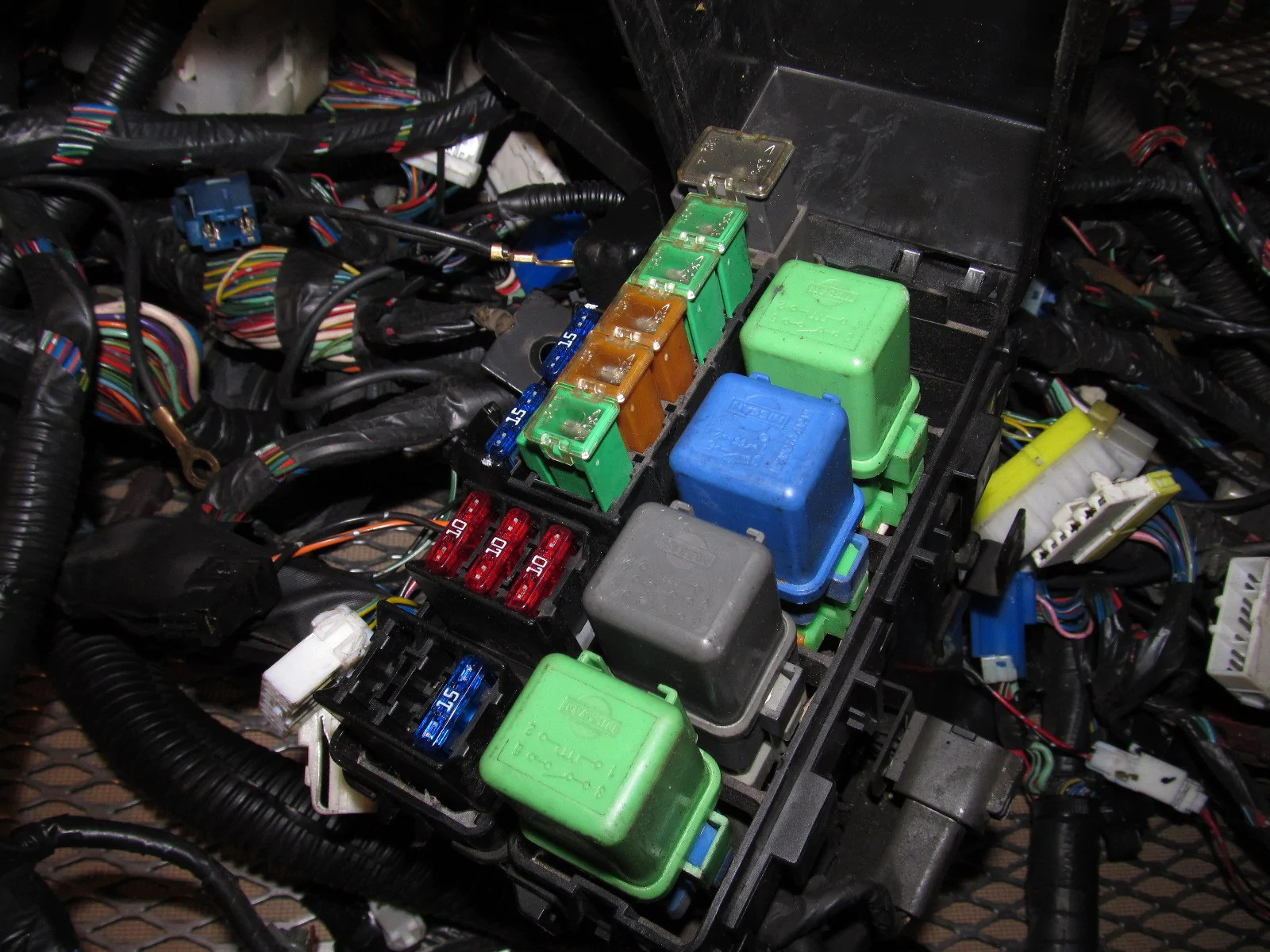 small resolution of  91 92 93 94 nissan 240sx oem fuse box wiring harness