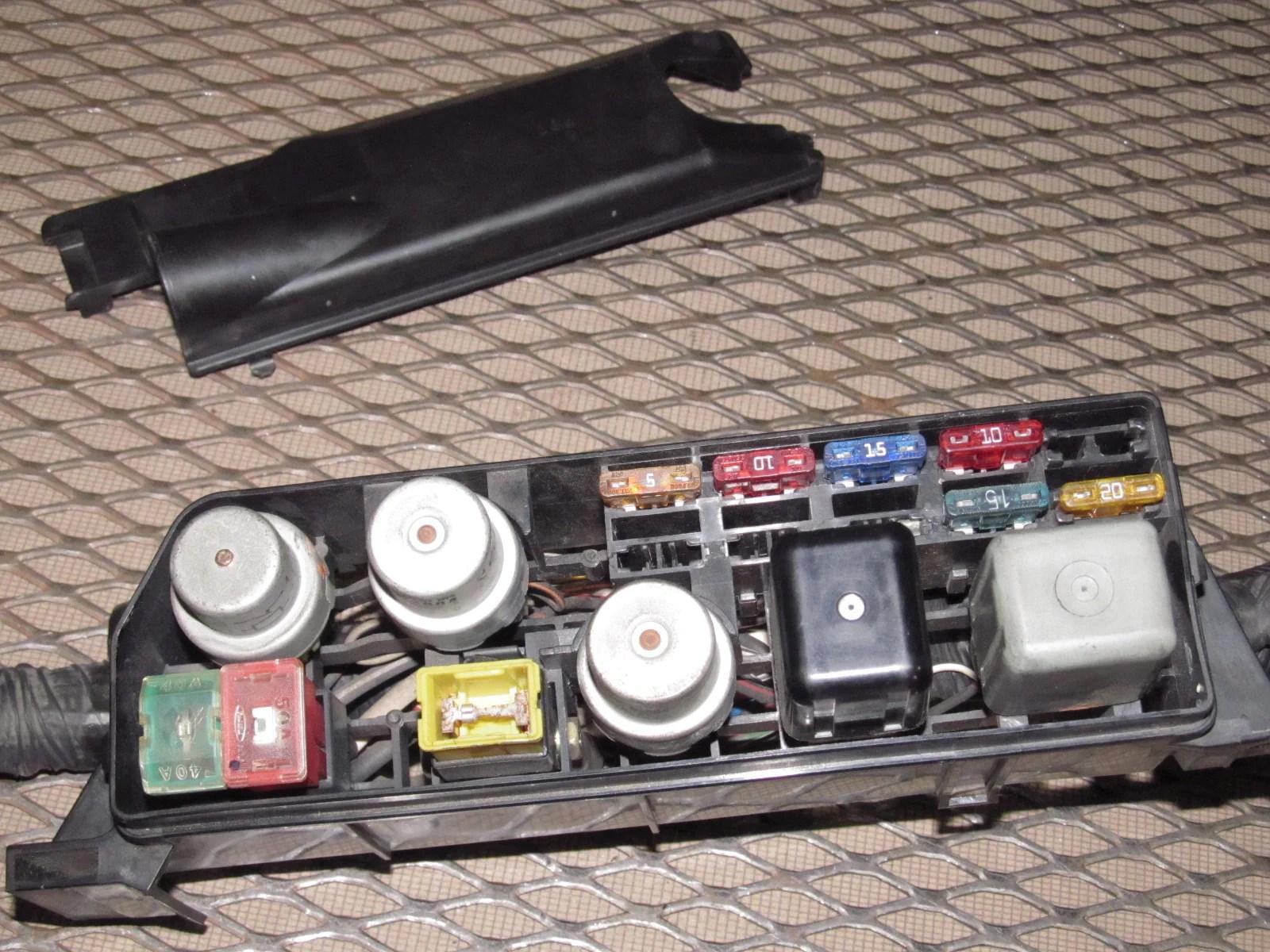 85 86 toyota mr2 oem engine fuse box  [ 1600 x 1200 Pixel ]