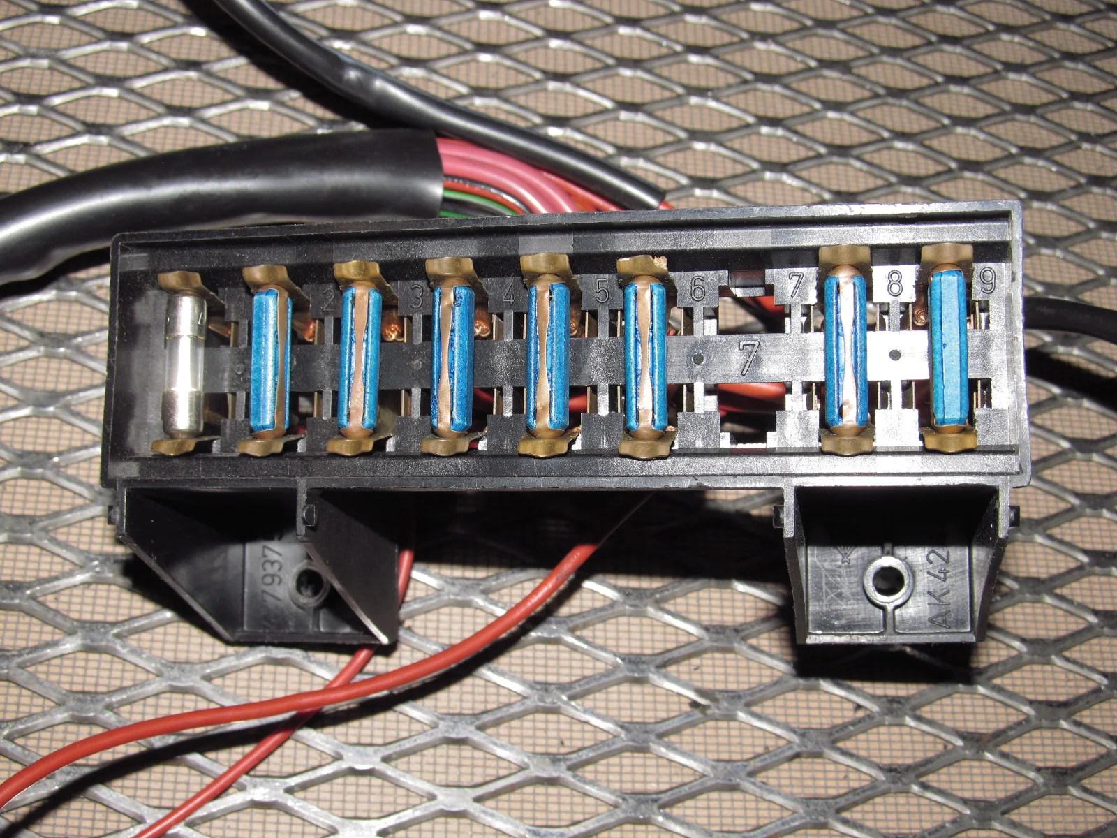 83 85 porsche 944 oem interior fuse box  [ 1600 x 1200 Pixel ]