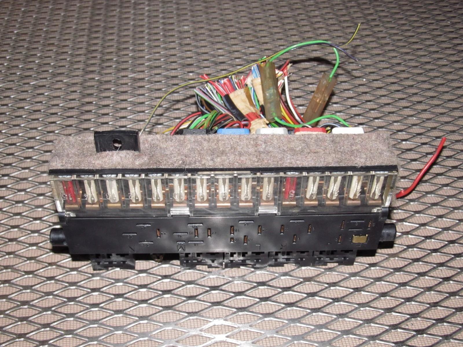 porsche 944 fuse box lid [ 1600 x 1200 Pixel ]