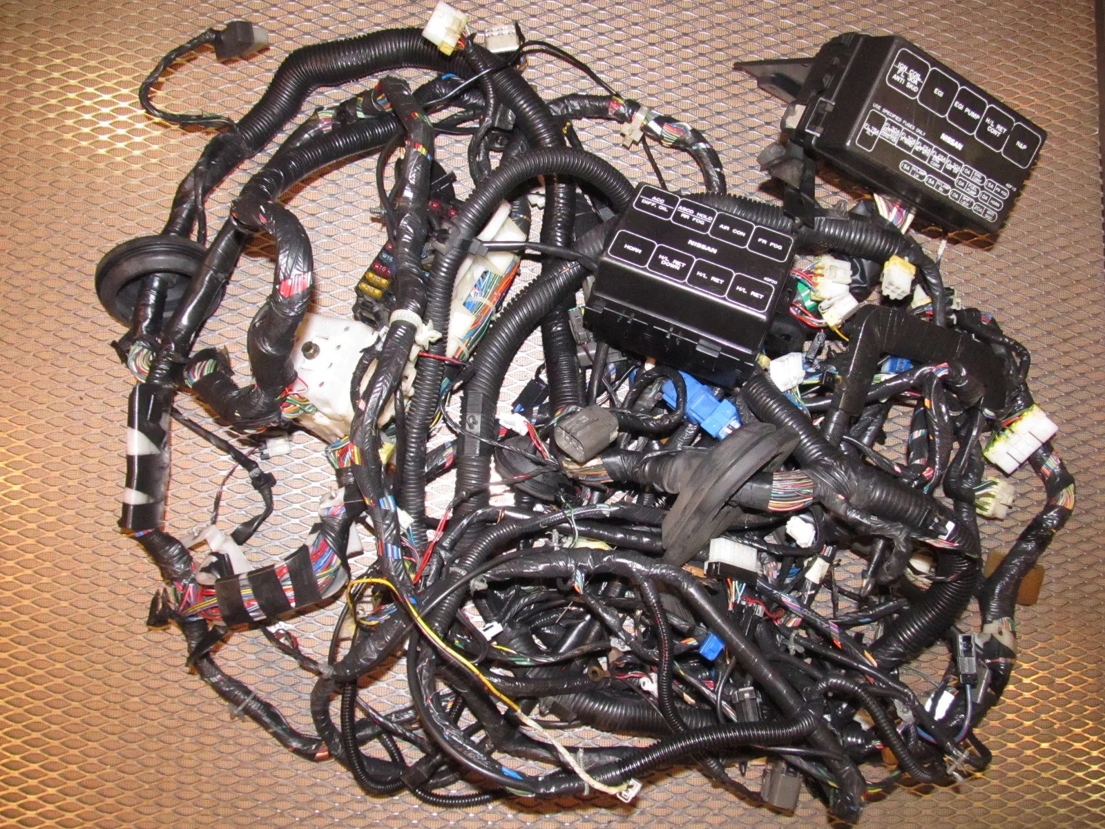 small resolution of  fuse box wiring harness product image