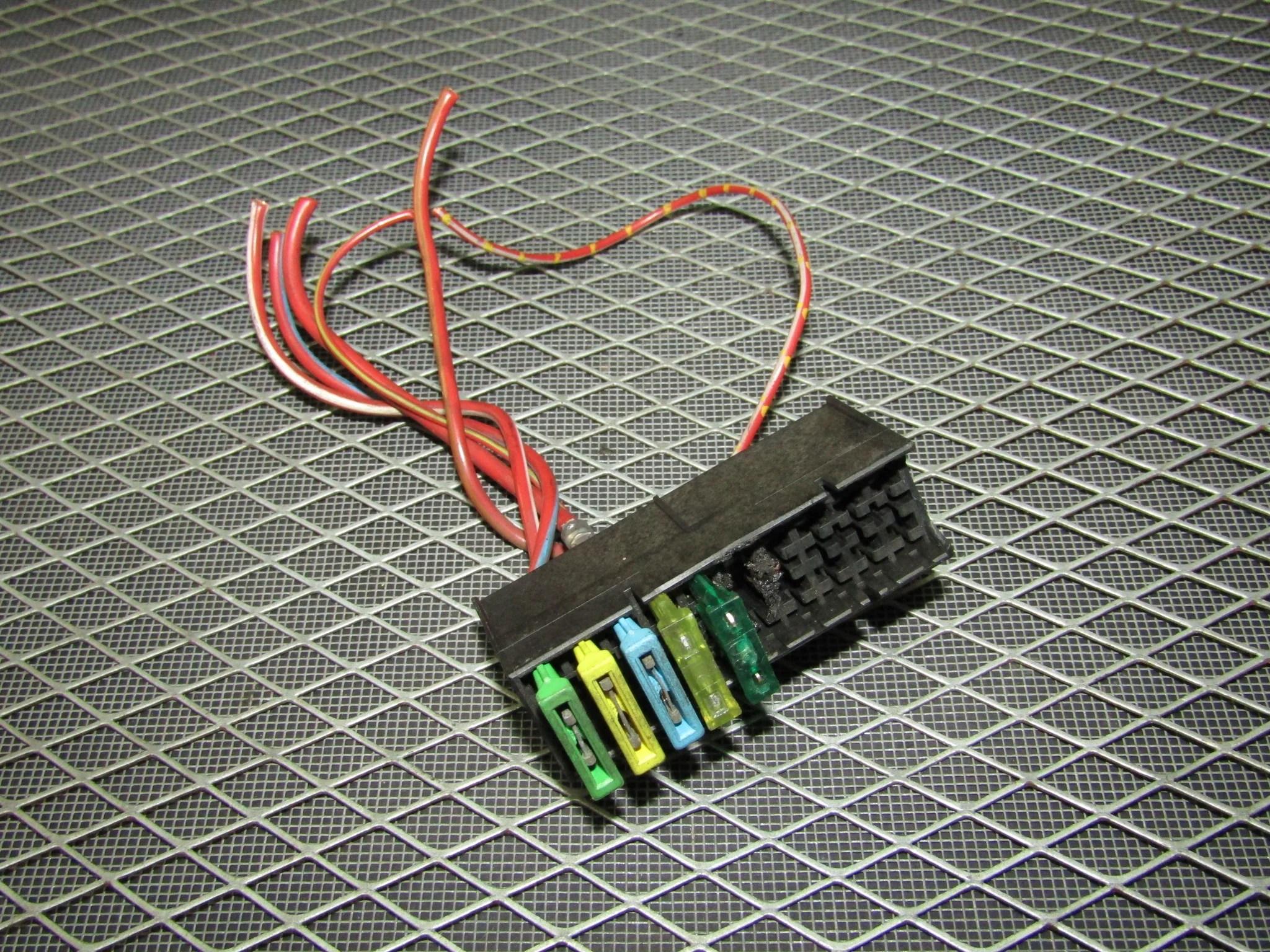 medium resolution of  95 bmw 325 oem engine fuse box product image