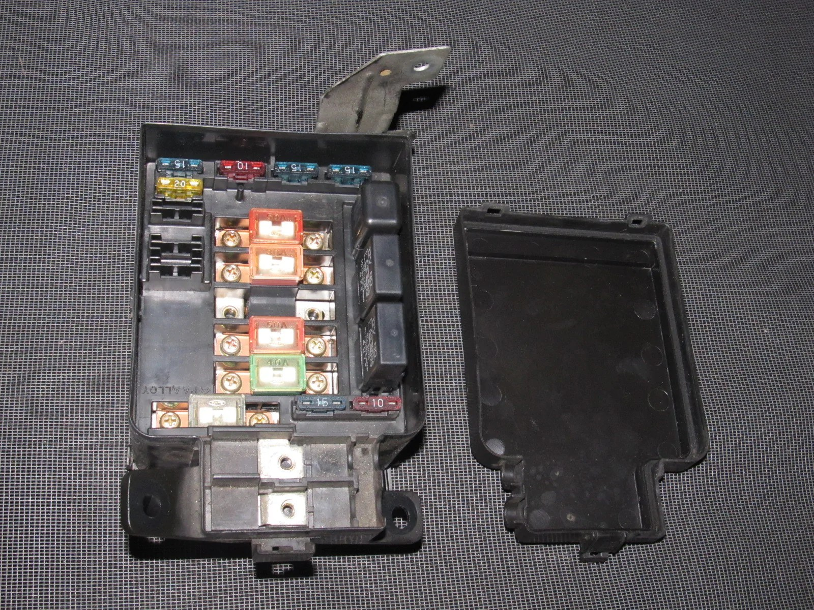 small resolution of  93 94 95 honda del sol oem b16 engine fuse box with relays