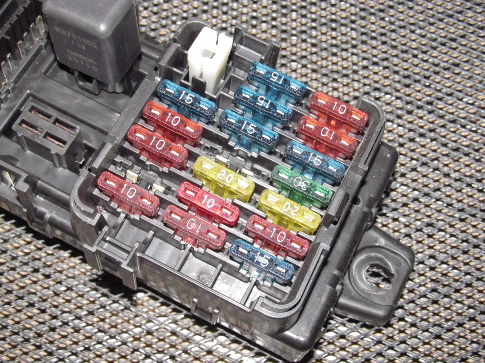 94 95 96 97 mitsubishi 3000gt oem interior fuse box  [ 1600 x 1200 Pixel ]