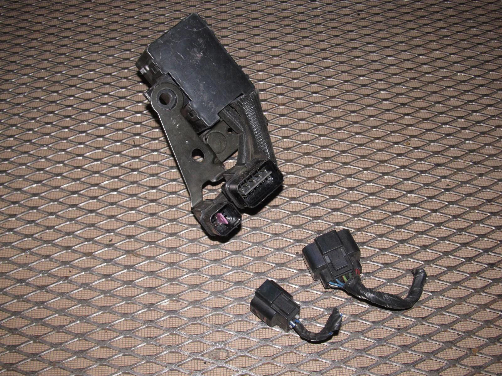 91 92 93 dodge stealth oem radiator fan a c clutch fan relay fuse box  [ 1600 x 1200 Pixel ]