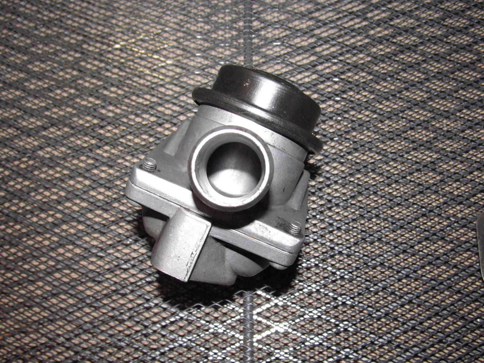 medium resolution of  04 05 06 07 08 mazda rx8 oem air pump check valve