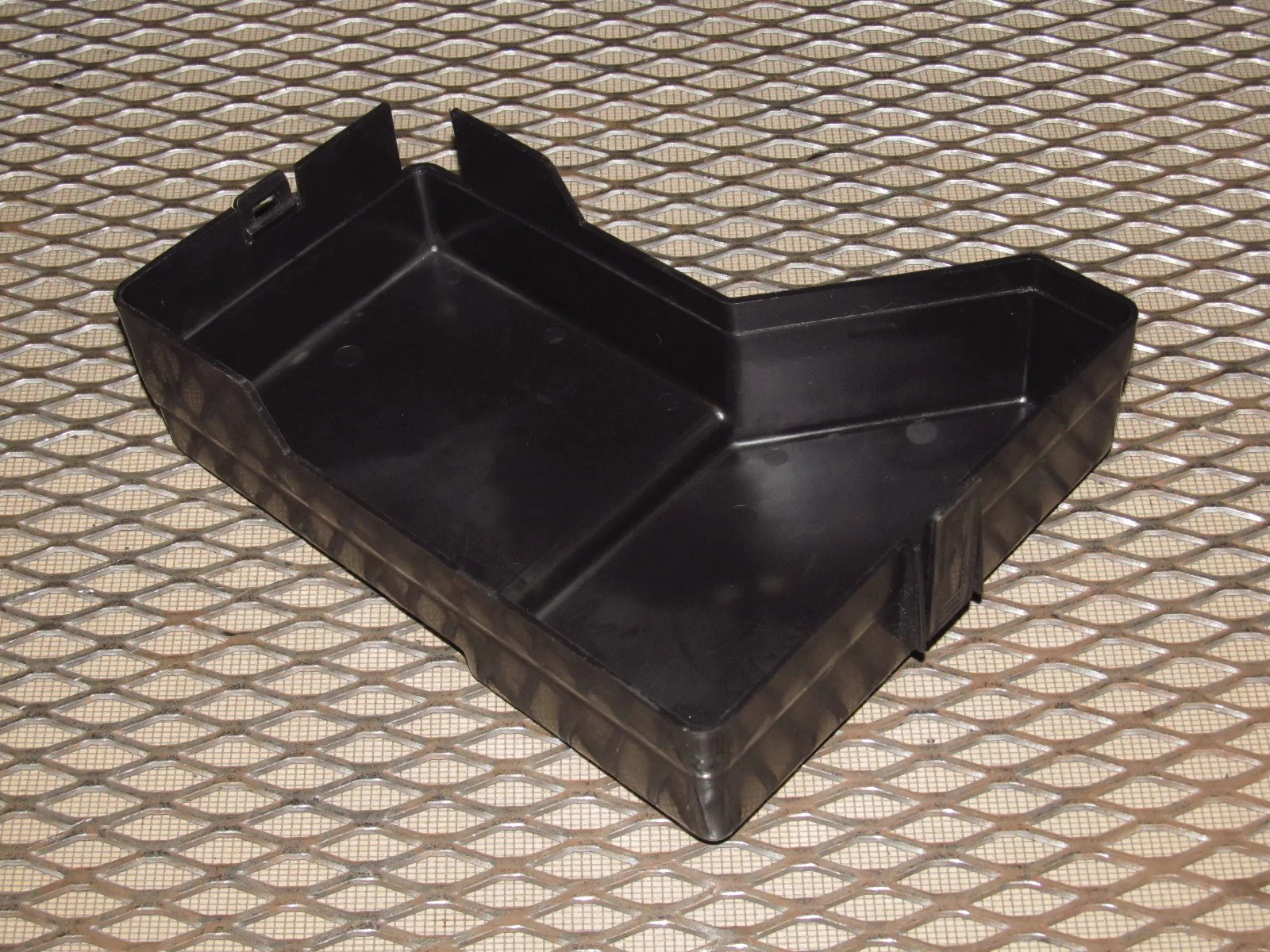 hight resolution of  94 95 96 97 mitsubishi 3000gt oem engine fuse box cover