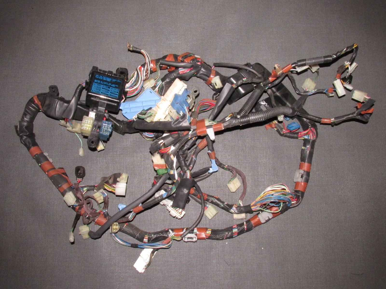 medium resolution of 85 86 87 88 89 toyota mr2 oem interior fuse box dash wiring harness