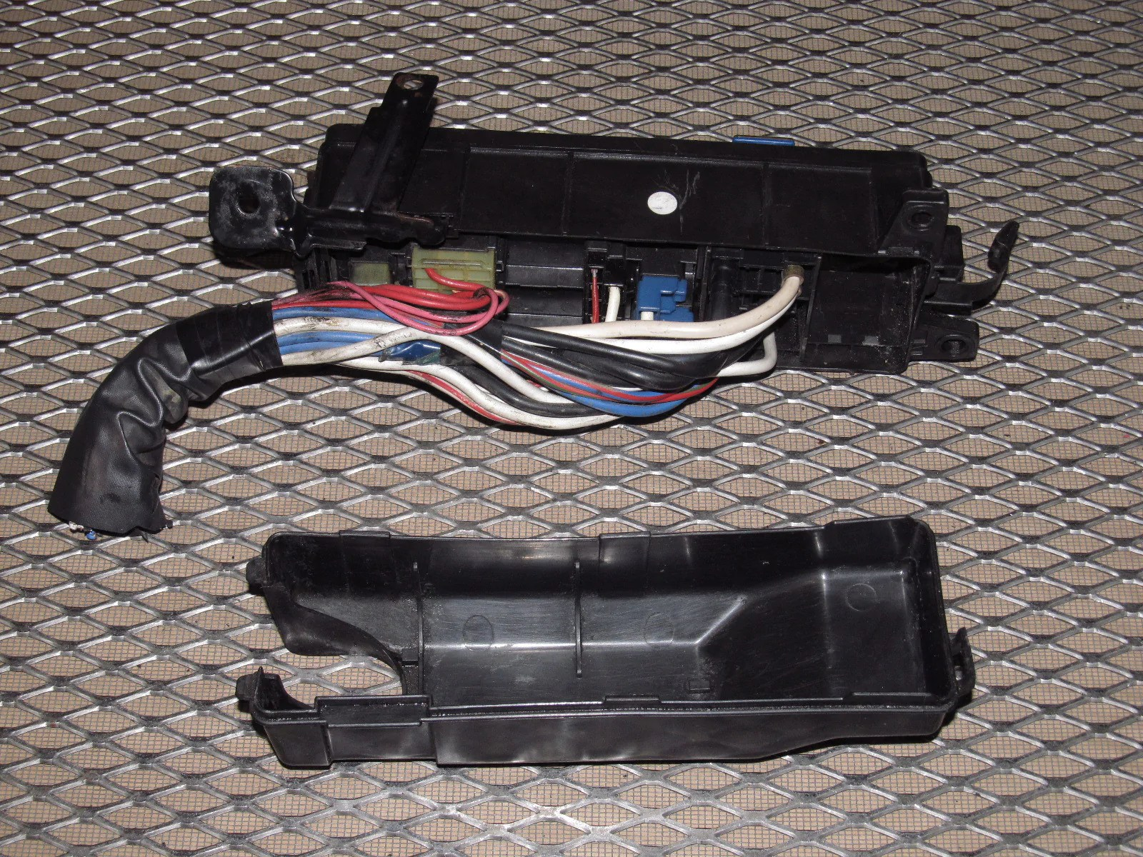 89 90 91 92 toyota supra oem engine fuse box turbo [ 1600 x 1200 Pixel ]