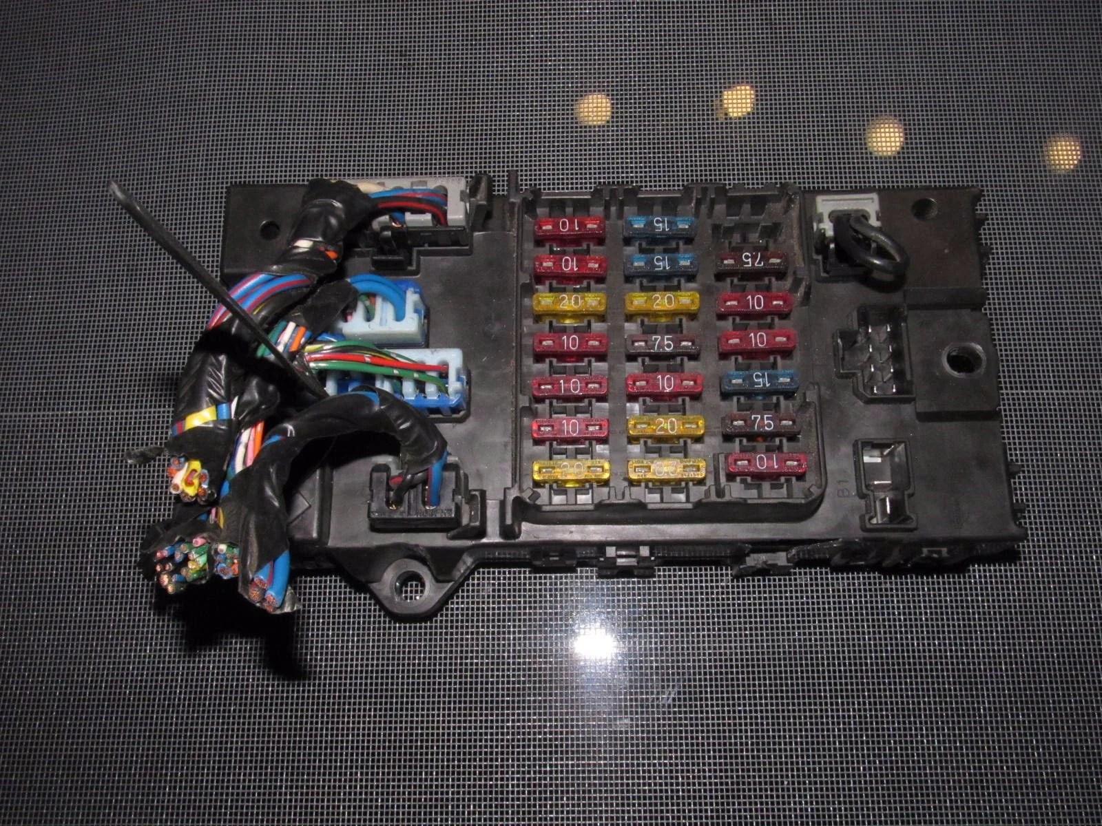 9096 Nissan 300zx OEM Interior Fuse Box – Autopartone