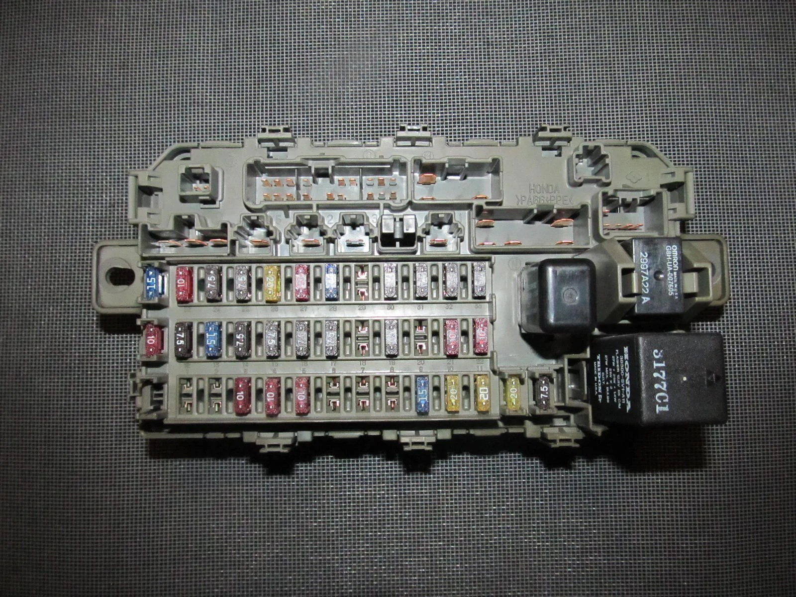 small resolution of 96 97 98 99 00 honda civic oem interior fuse box with relay rh autopartone com