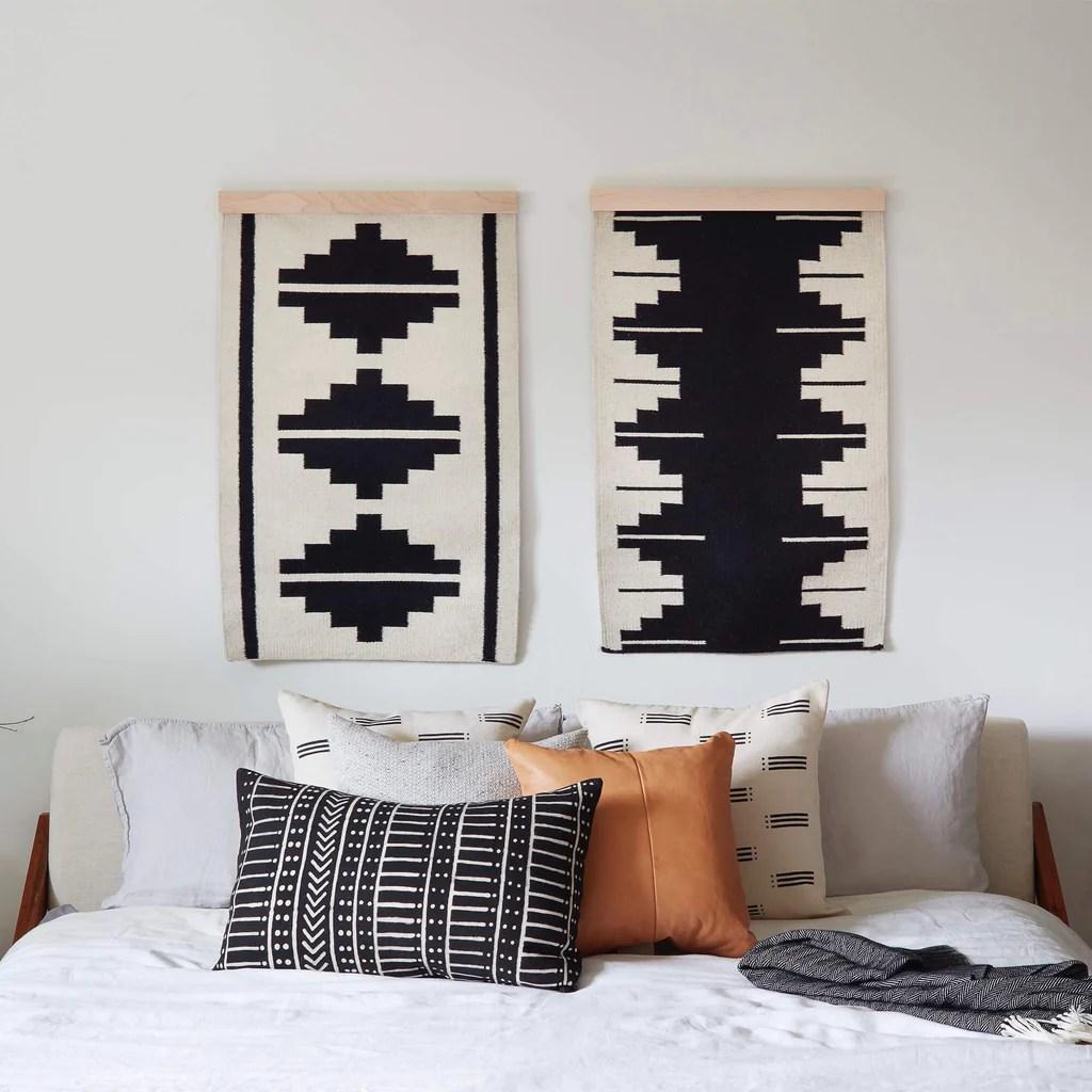 wall hanging set black