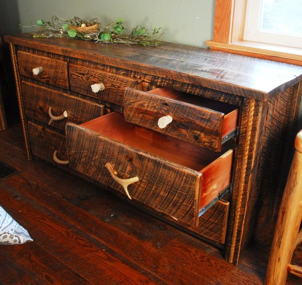 Buckboard Rough Cut Dresser  Niangua Furniture