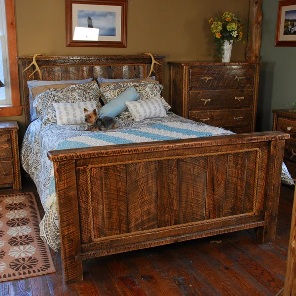 Buckboard Rough Cut Rustic Bed in King  Queen Size