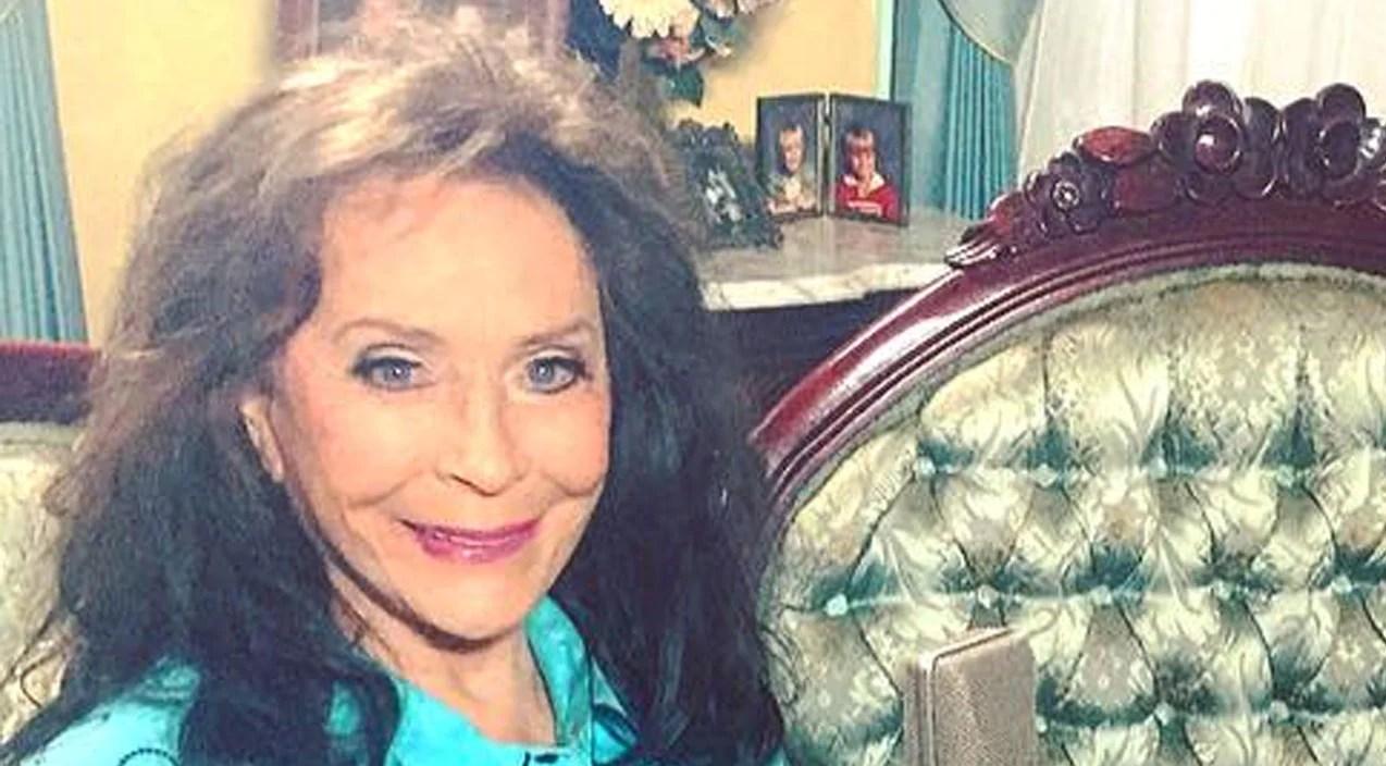 Loretta lynn Songs | Loretta Lynn Shares First Photos Of Herself Since Suffering A Stroke | Country Music Videos
