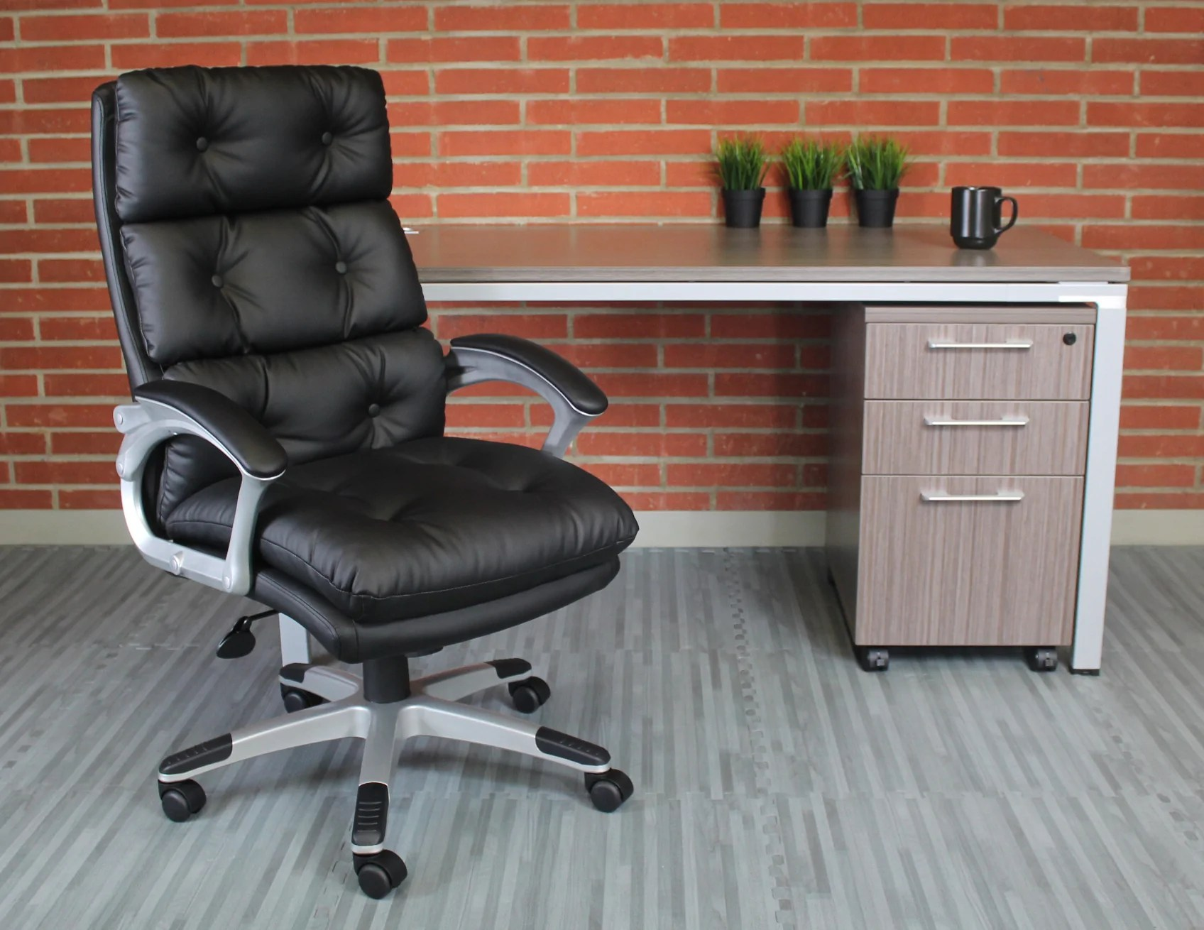 Tufted Leather Office Chair Black Faux Leather Executive Office Chair W Button Tufted Design