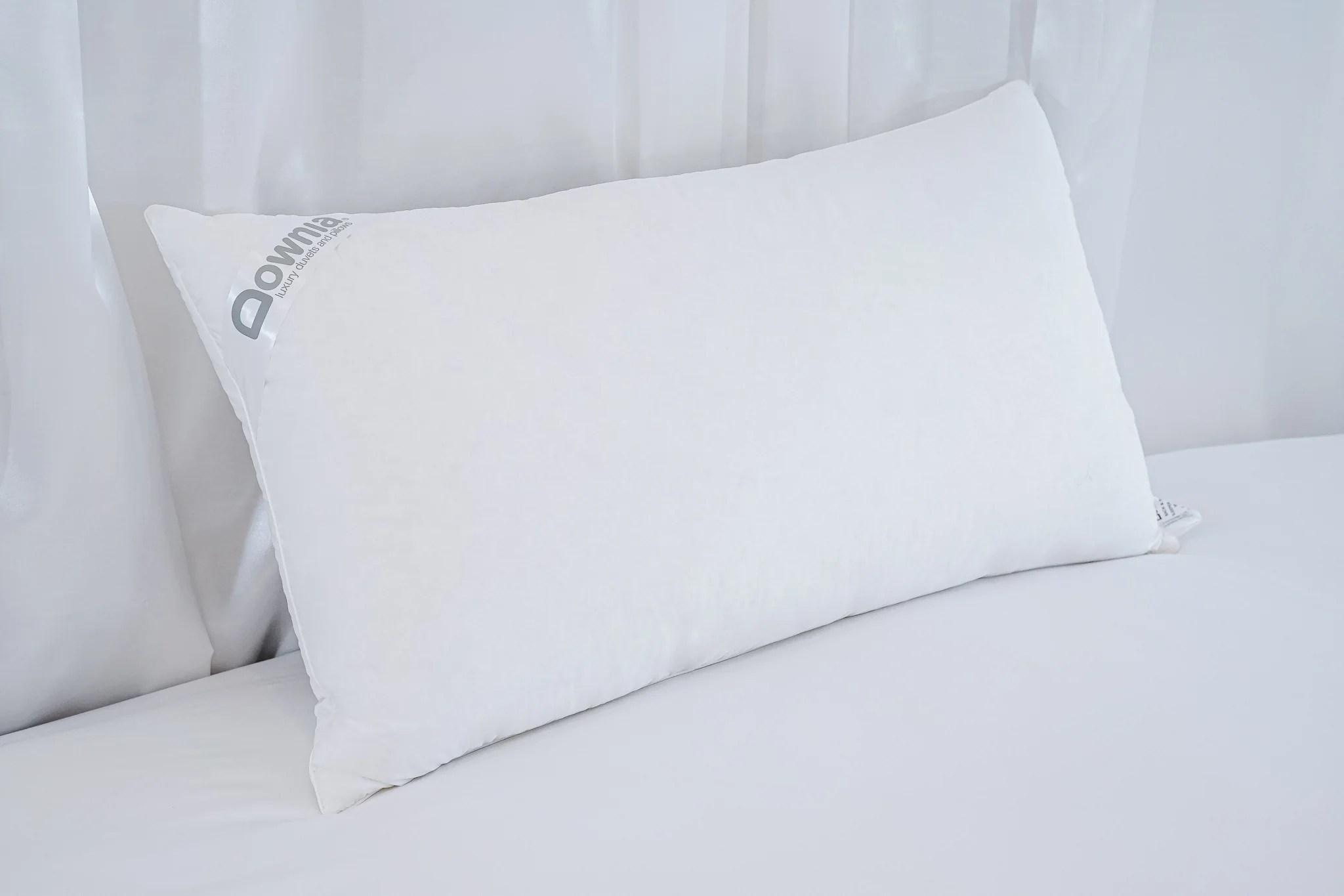 heavenly white medium goose down feather pillow medium